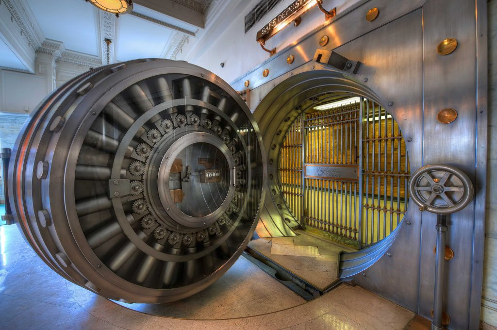 Vintage Bank Vault de Brook Ward
