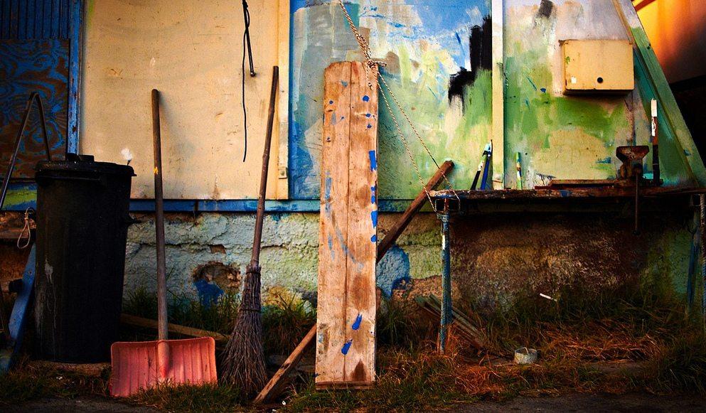 Tools, de Moyan Brenn