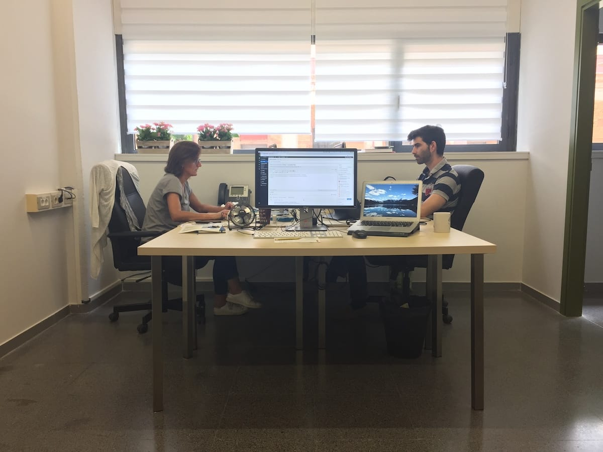 La nueva oficina de Nelio. Foto sacada mientras escribo esta entrada.