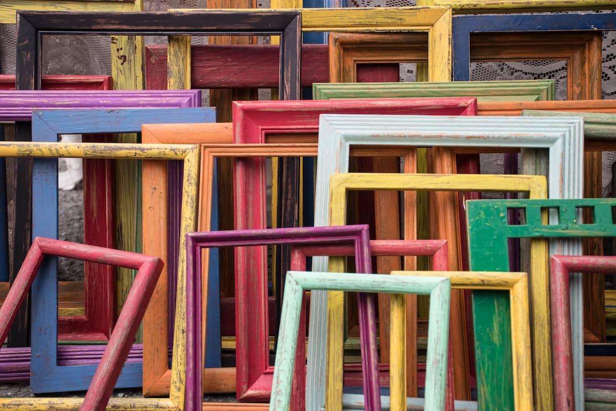 Marcos de colores, foto de Jessica Ruscello