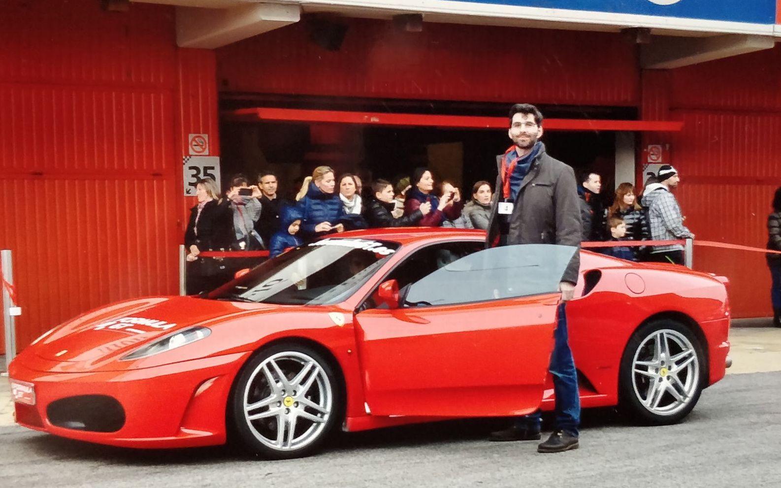 David también se ha subido a un Ferrari, aunque ahora sea más de Tesla.