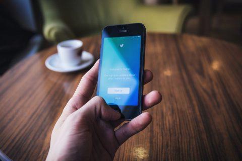 Leer 3 claves para conseguir que tu blog destaque en Twitter