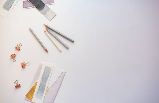 """""""Flatlay, pencil, clips and stationary"""", de Joanna Kosinska"""
