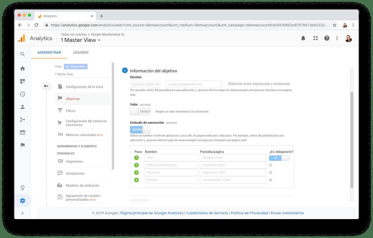 En la cuenta de demo de Google Analytics puedes ver el embudo de conversión de la tienda de merchandising de Google.