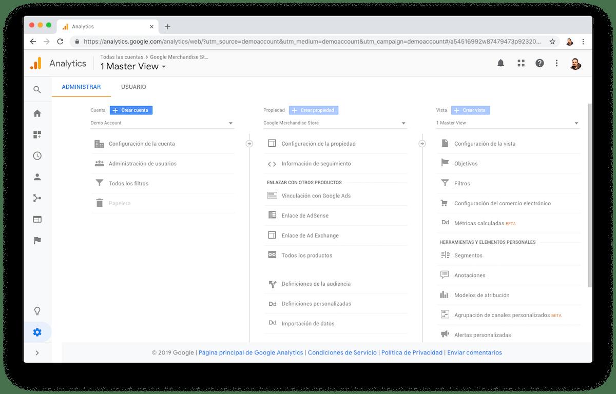 En la configuración de Google Analytics encontrarás el menú Objetivos donde puedes definirlos.