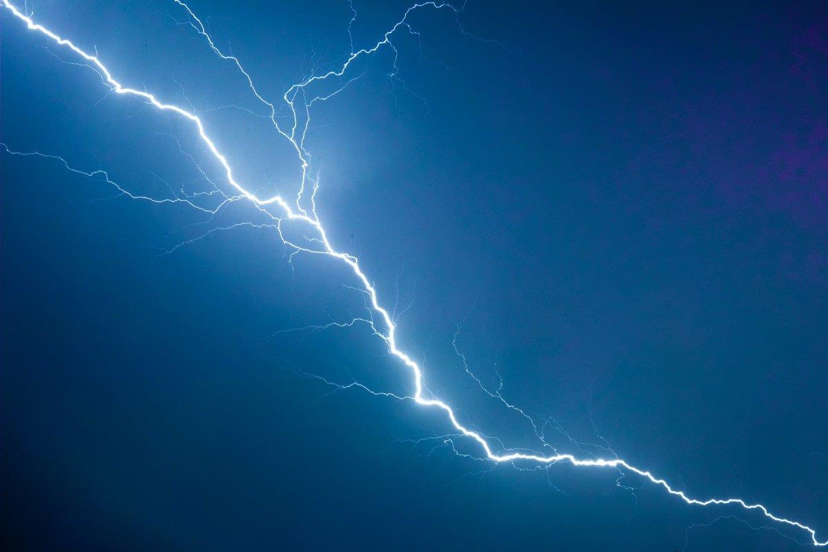 Lightning, de Michał Mancewicz