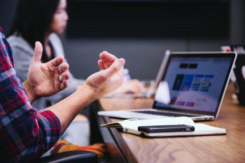 Leer Los 6 principios de psicología para «pre-suadir» a un cliente potencial