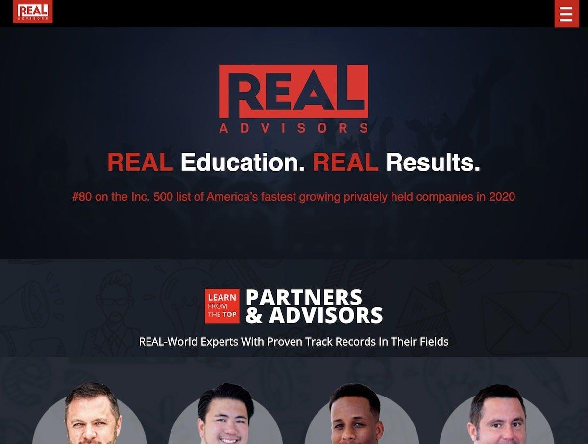 Captura de pantalla de la web de Real Advisors.