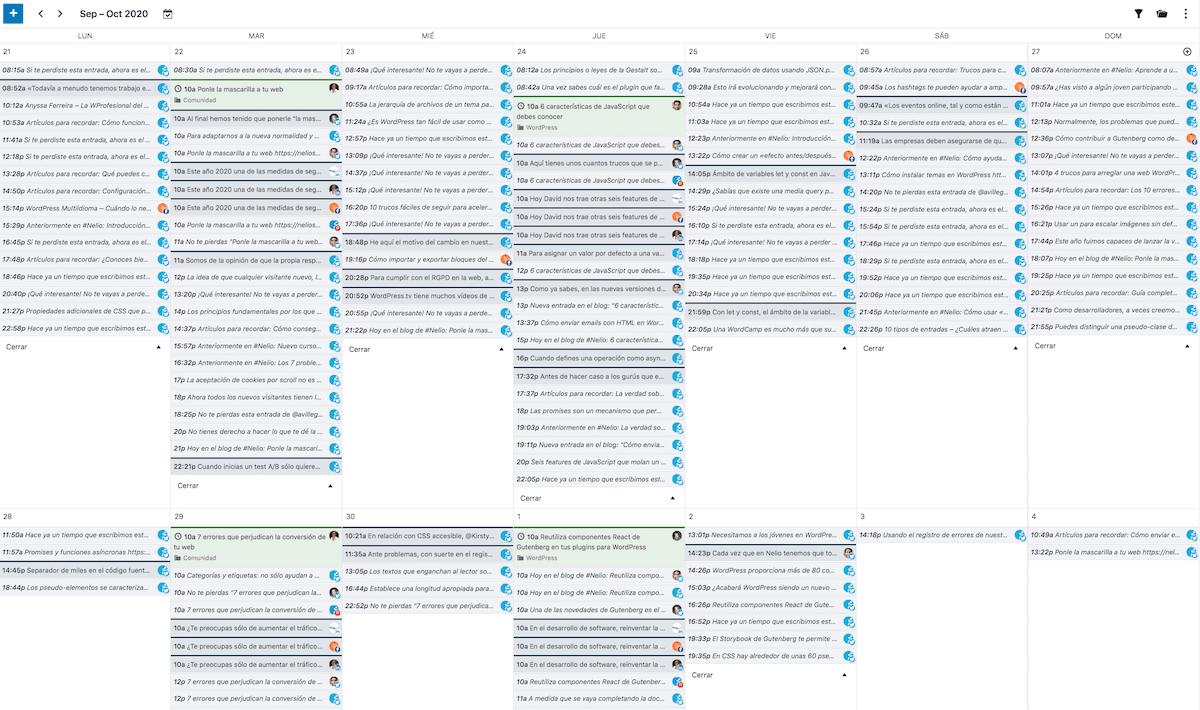Calendario de Nelio Content con mensajes sociales generados automáticamente.