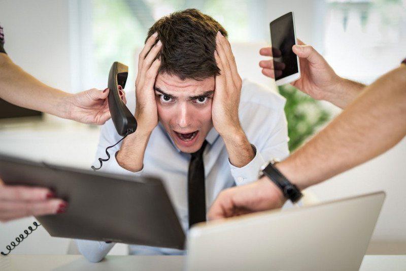 Las distracciones son un arma de destrucción masiva para tu productividad. Intenta evitarlas siempre que puedas.