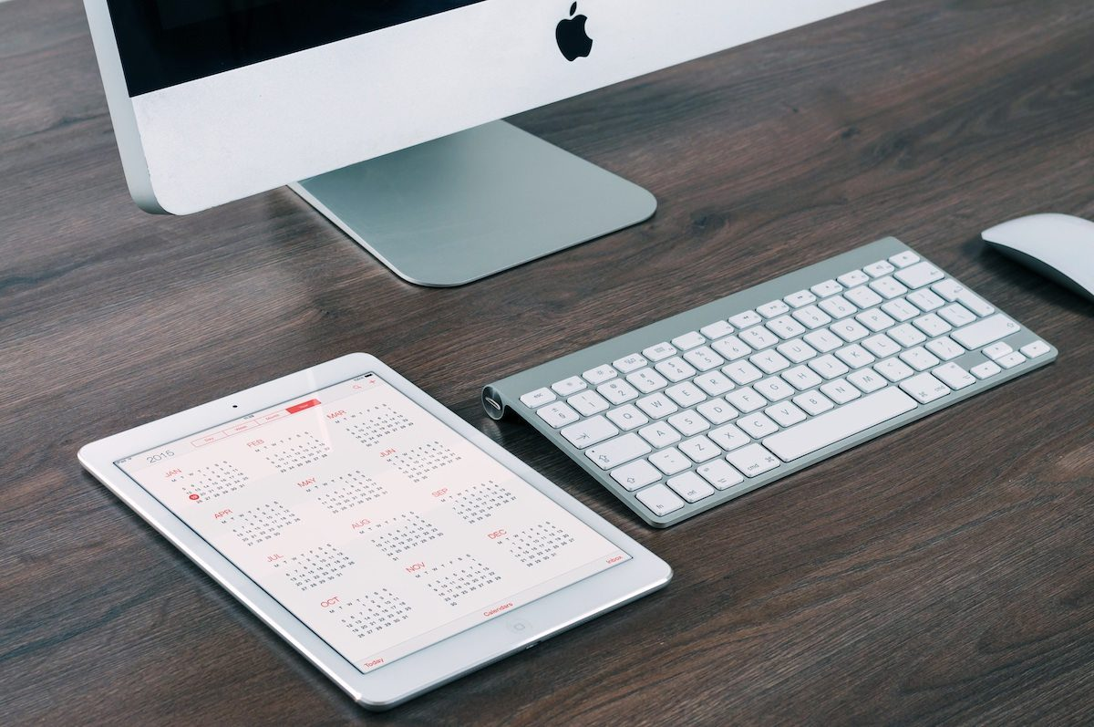 Desktop with calendar by William Iven
