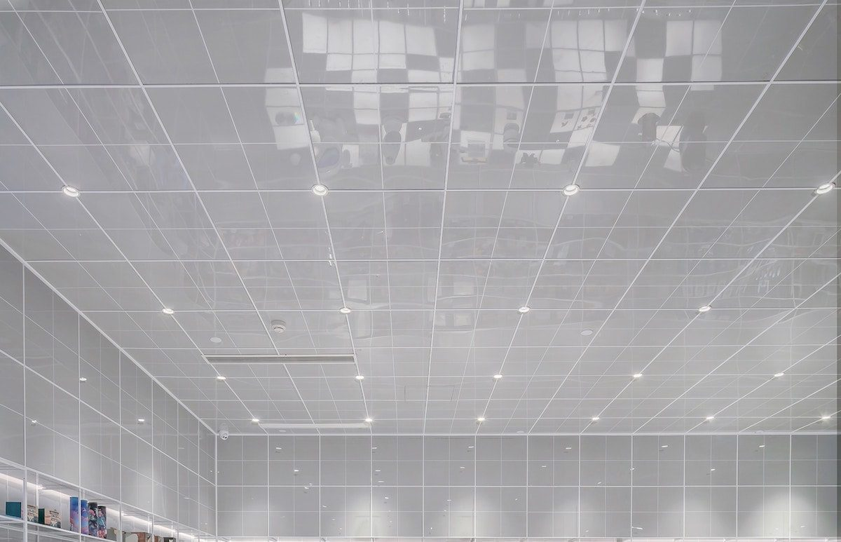 Photo of a tiled ceiling