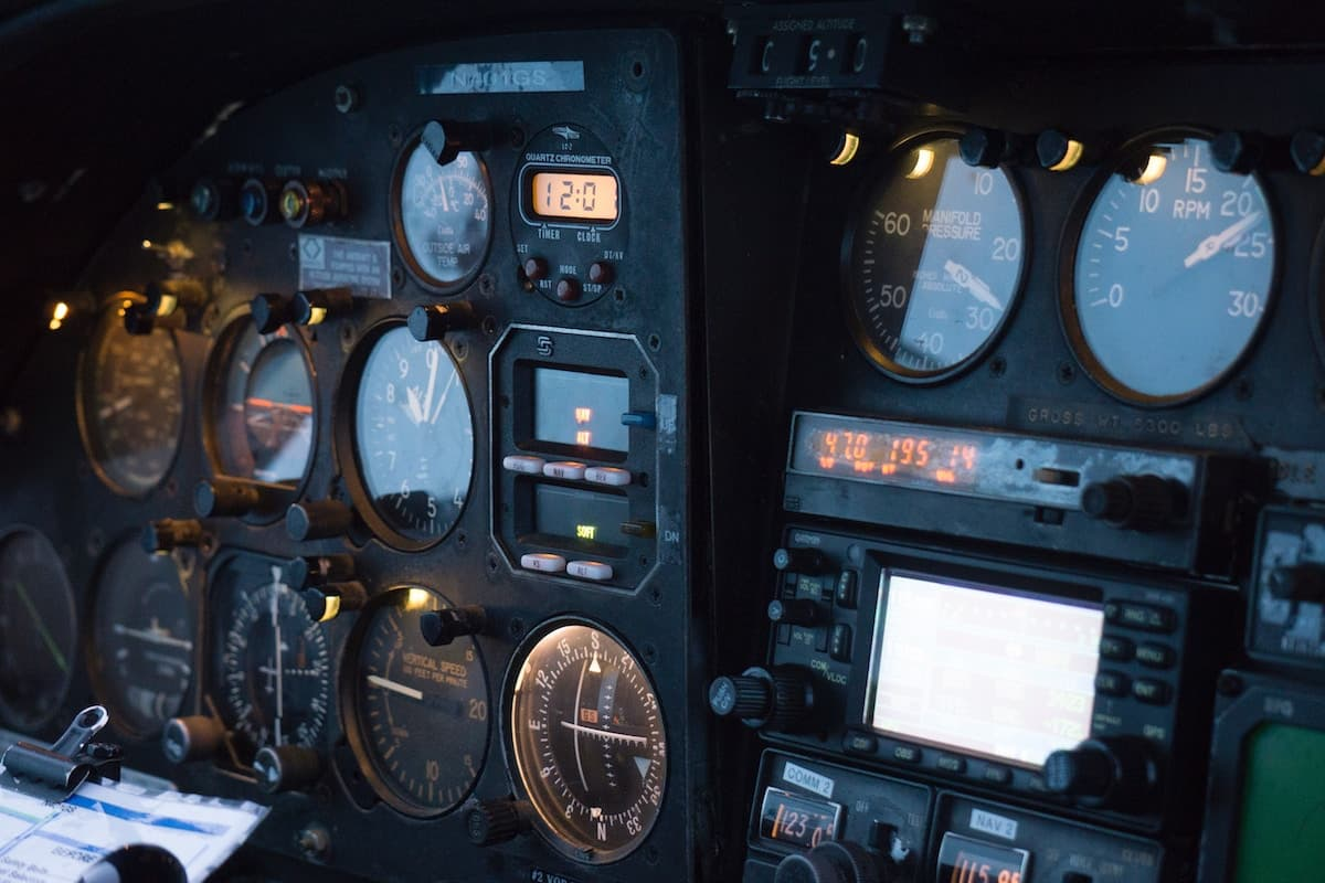 Instruments and controls of an aerocraft