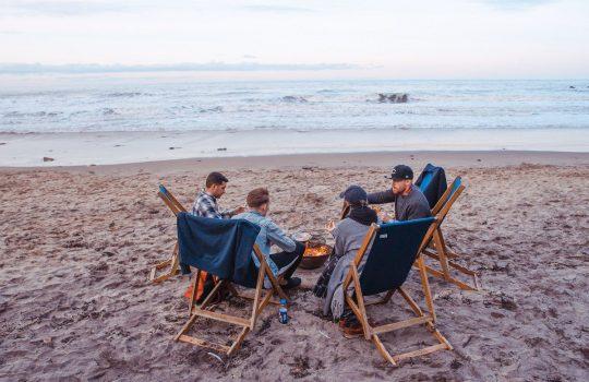 Barbecue at the sea, by Toa Heftiba