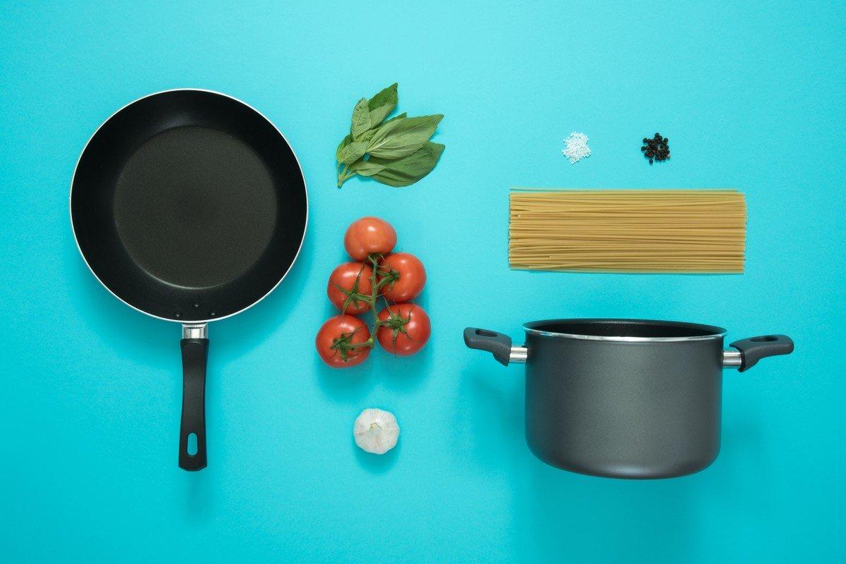 Cooking pasta, de Icons8 team
