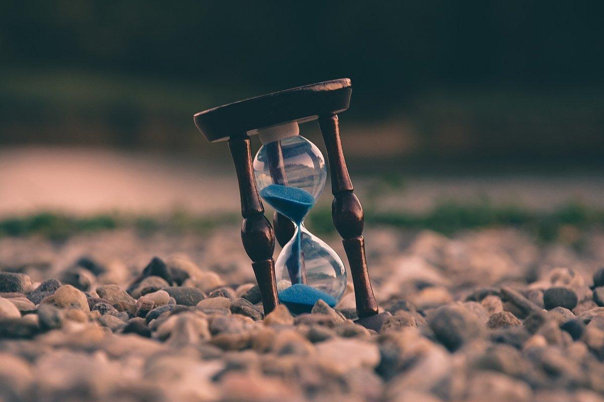 Hourglass, de Aron Visuals