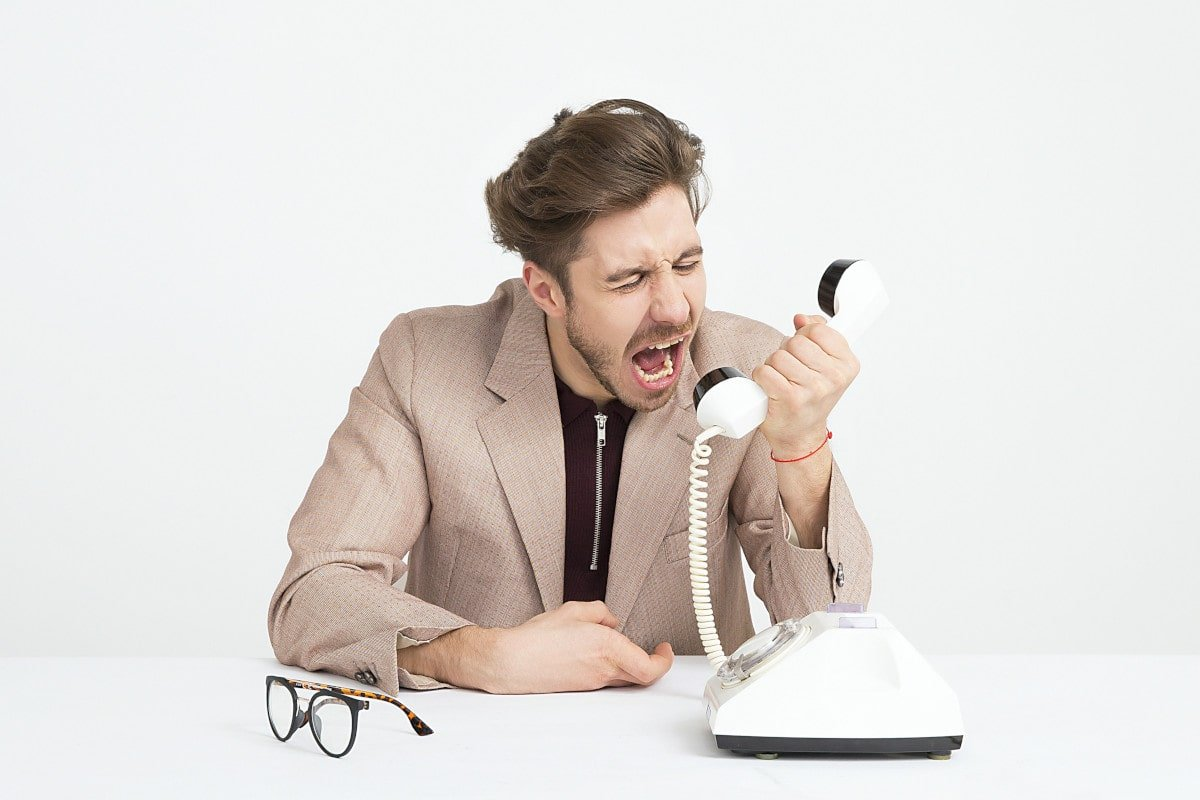 Hombre enfadado; imagen de Icons8 Team