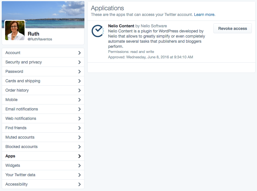 List of apps authorized to access a Twitter account.